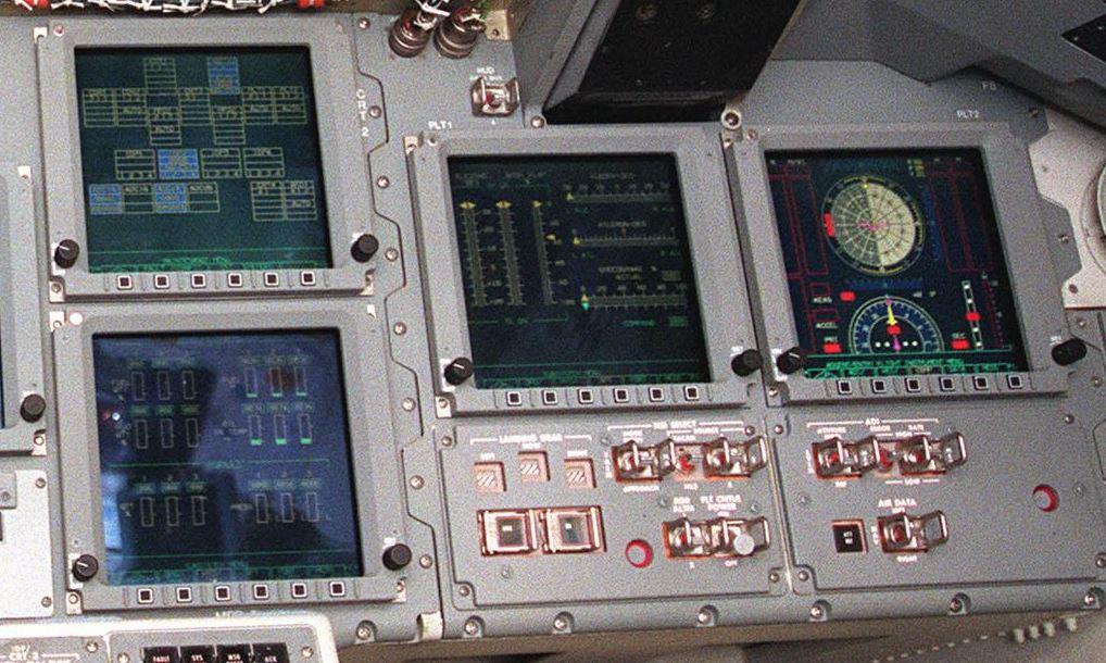 Dash MFDs from Atlantis orbiter.